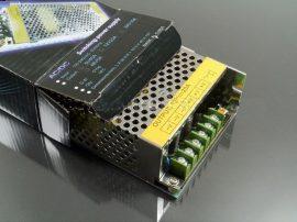 LED tápegység 12 Volt, ipari (20A/240W) Slim (vékony) 240